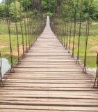 Bello del ponte di corda nel parco nazionale di Kaeng Krachan, Phetcha Fotografia Stock Libera da Diritti