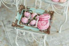 Bello dessert saporito dolce al forno decorato multicolore della barra di caramella Fotografia Stock Libera da Diritti