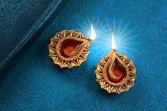 Bello Diwali dorato Diya Lamp Lights Fotografia Stock Libera da Diritti