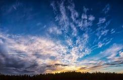Bello e cielo variopinto Fotografie Stock Libere da Diritti