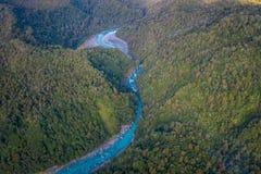 Bello fiume del turchese e del paesaggio, nelle alpi del sud del sud del ` s di Westland, la Nuova Zelanda Fotografia Stock Libera da Diritti
