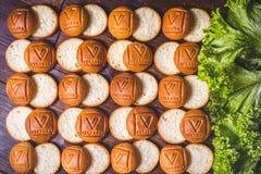 Bello fondo dei panini tagliati per gli hamburger Immagine Stock Libera da Diritti