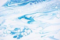 Bello fondo di acrilico liquido in blu, in verde ed in bianco su tela illustrazione vettoriale