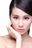 Bello fronte della donna di cura di pelle Fotografia Stock