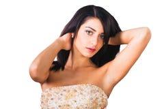 Bello fronte delle ragazze del brunette isolato su un bianco Fotografie Stock Libere da Diritti