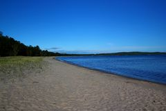Bello giorno alla baia del pancake sul lago Superiore, Ontario, Canada Spazio per testo fotografie stock libere da diritti