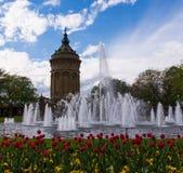 Bello giorno a Mannheim iconica Wasserturm (torre di acqua) Fotografie Stock