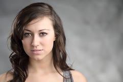 Bello giovane ritratto caucasico della donna Fotografia Stock Libera da Diritti