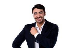 Bello giovane uomo d'affari sorridente casuale fotografia stock