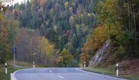 Bello goldenautumn nelle alpi di Europa Fotografie Stock Libere da Diritti