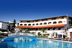 Bello hotel di ricorso del lato della spiaggia in Crete, Grecia Fotografie Stock