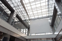 Bello housetop vitroso in aerodromo immagini stock libere da diritti