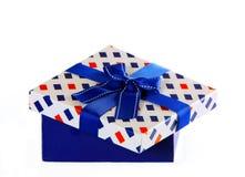 Bello imballaggio per il regalo Casella blu con un arco Fotografia Stock Libera da Diritti