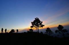 Bello indicatore luminoso di tramonto di vista sulla montagna Immagini Stock Libere da Diritti