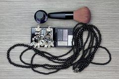 Bello insieme degli accessori di modo del ` s delle donne e dei cosmetici Fotografia Stock Libera da Diritti