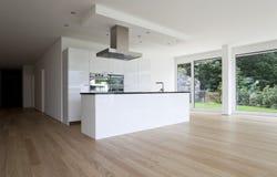 Bello interiore di una casa moderna Immagini Stock