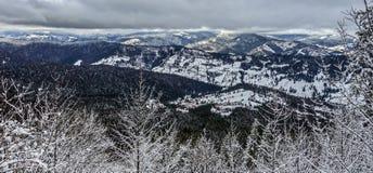 Bello inverno dai mounains immagine stock