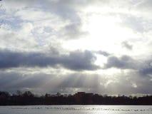Bello lago al tramonto fotografie stock