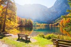 Bello lago in alpi austriache Fotografia Stock