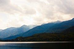 Bello lago in alpi slovene fotografia stock libera da diritti