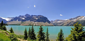 Bello lago bow delle Montagne Rocciose canadesi Immagini Stock Libere da Diritti