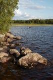 Bello lago in Carelia. La Russia del nord immagine stock