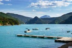 Bello lago della montagna in alpi del sud Immagini Stock Libere da Diritti