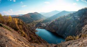 Bello lago della montagna di Amut Fotografie Stock Libere da Diritti