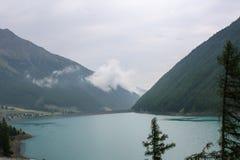 Bello lago della montagna nelle alpi austriache Immagine Stock Libera da Diritti