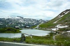 Bello lago della montagna nelle alpi austriache Fotografia Stock