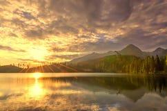 Bello lago in montagne Fotografia Stock Libera da Diritti
