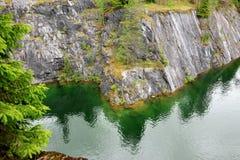 Bello lago vicino al Mt Immagini Stock