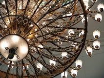 Bello lampadario a bracci tradizionale Immagini Stock