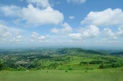 Bello lanscape del cielo e della collina Fotografia Stock