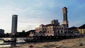 Bello lasso di tempo vicino alla spiaggia a Tanjung Bungah Penang Malesia stock footage
