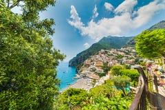 Bello litorale di Positano nella costa di fama mondiale di Amalfi immagini stock