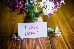 Bello mazzo dei fiori in anticipo della molla Fotografia Stock