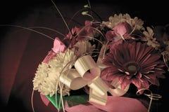 Bello mazzo dei fiori e del crisantemo della gerbera su un diff Fotografia Stock