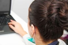 Bello medico femminile con lo stetoscopio Immagine Stock