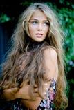 Bello modello con capelli lunghi Immagini Stock