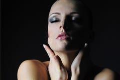 Bello modello nacked della ragazza con l'ente bagnato Fotografia Stock