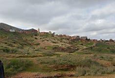 Bello Mountain View dalla terra fotografia stock libera da diritti