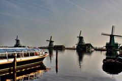 bello mulino a vento nei Paesi Bassi immagini stock libere da diritti