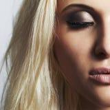 Bello occhio di woman.face di girl.make-up.skincare biondo Fotografie Stock