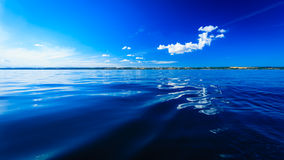 Bello orizzonte e cielo di mare di sera di vista sul mare Immagini Stock Libere da Diritti