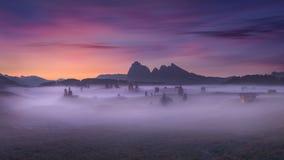 Bello paesaggio al tramonto nelle alpi del sud del Tirolo Immagini Stock Libere da Diritti