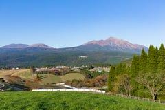 Bello paesaggio con il supporto Kirishima Fotografie Stock