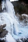 Bello paesaggio congelato alla cascata di Krimml, Austria Immagini Stock