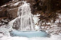 Bello paesaggio congelato alla cascata di Krimml, Austria Fotografie Stock