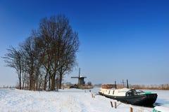 Bello paesaggio del mulino a vento di inverno Fotografie Stock Libere da Diritti